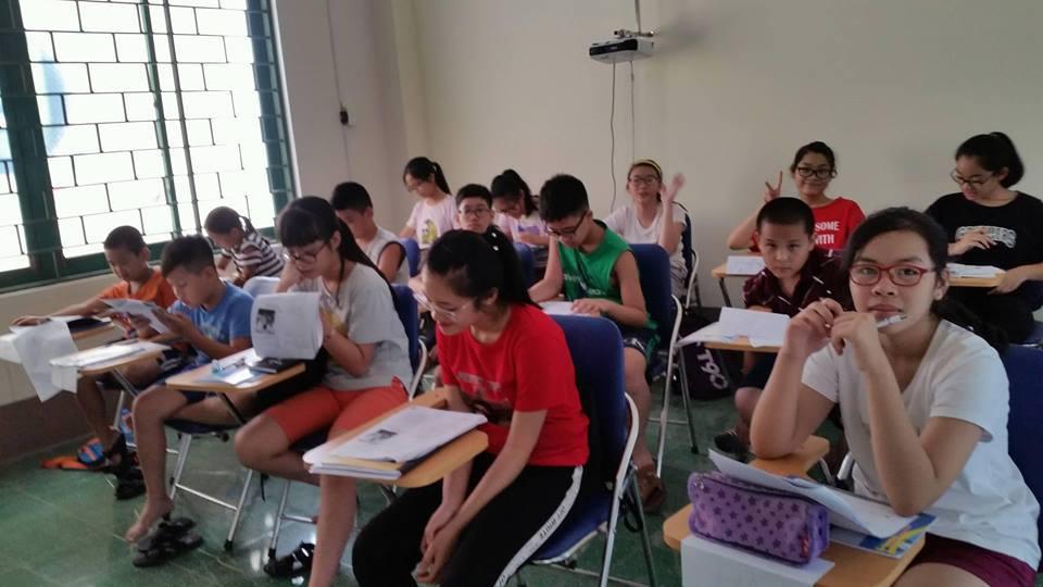 Trung tâm FLIC trường Đại học Công nghiệp Quảng Ninh tổ chức dạy tiếng Anh miễn phí cho thiếu nhi dịp hè 2018