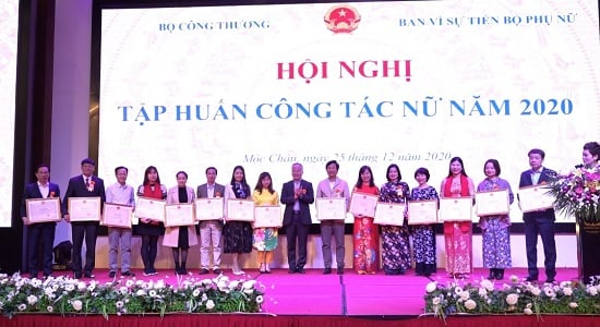 Trường Đại học Công nghiệp Quảng Ninh tham dự Hội nghị tập huấn công tác nữ năm 2020