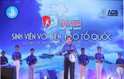 """Sinh viên trường Đại học Công nghiệp Quảng Ninh tham gia chương trình """"Sinh viên với biển đảo tổ quốc  2017"""""""