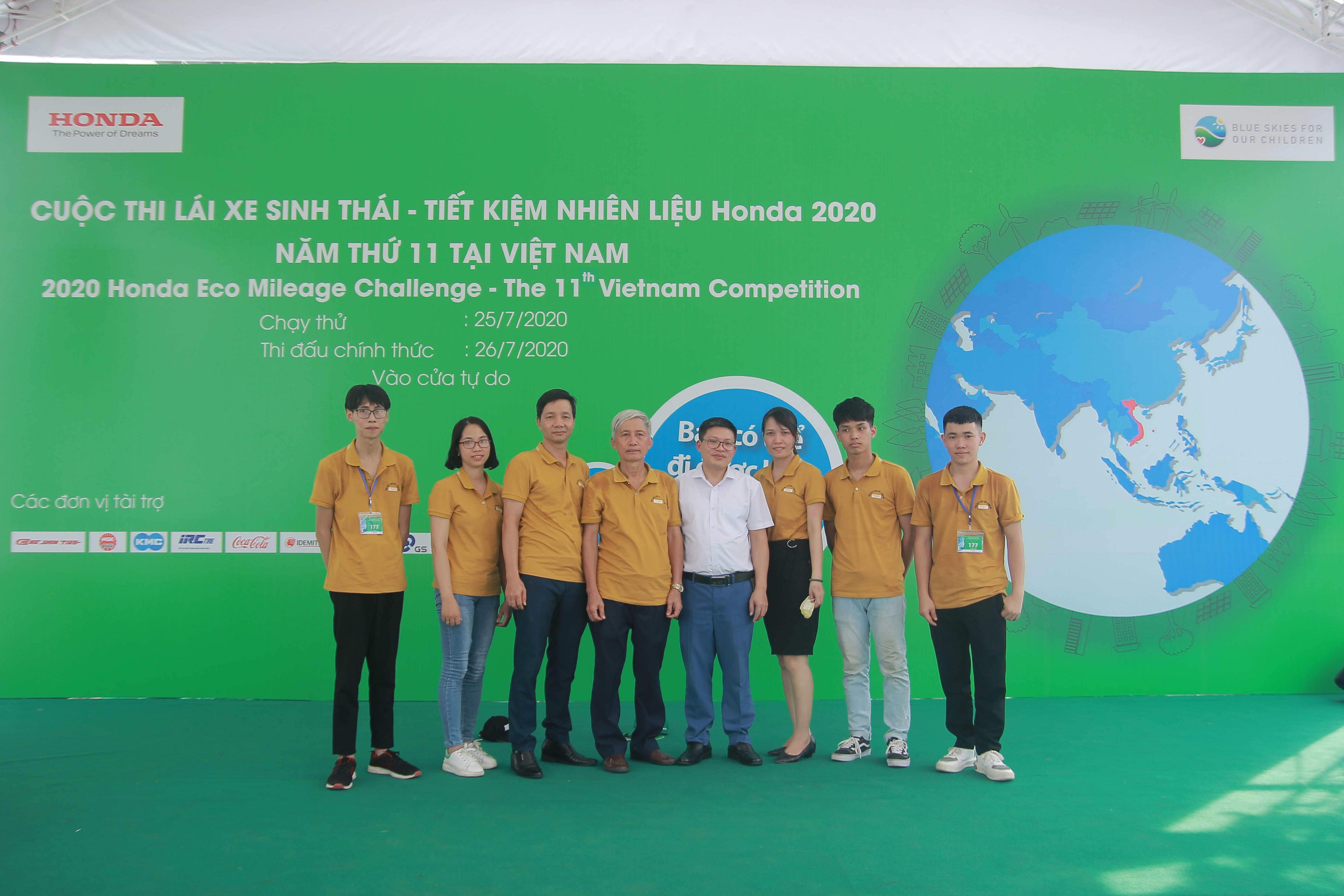Sinh viên trường Đại học Công nghiệp Quảng Ninh tham gia cuộc thi Lái xe sinh thái - Tiết kiệm nhiên liệu