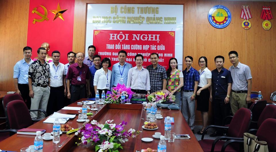 Trường Đại học Mỏ - Địa chất thăm và làm việc tại trường Đại học Công nghiệp Quảng Ninh