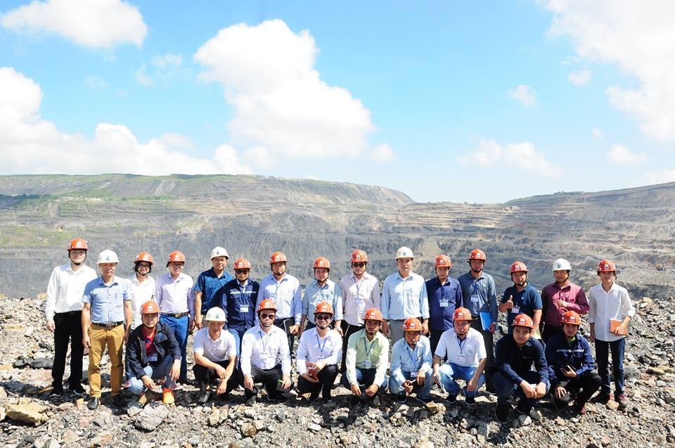 Đoàn cán bộ Bộ Năng lượng và Mỏ nước CHDCND Lào  thăm Công ty than Cọc Sáu, Công ty Tuyển than Cửa Ông