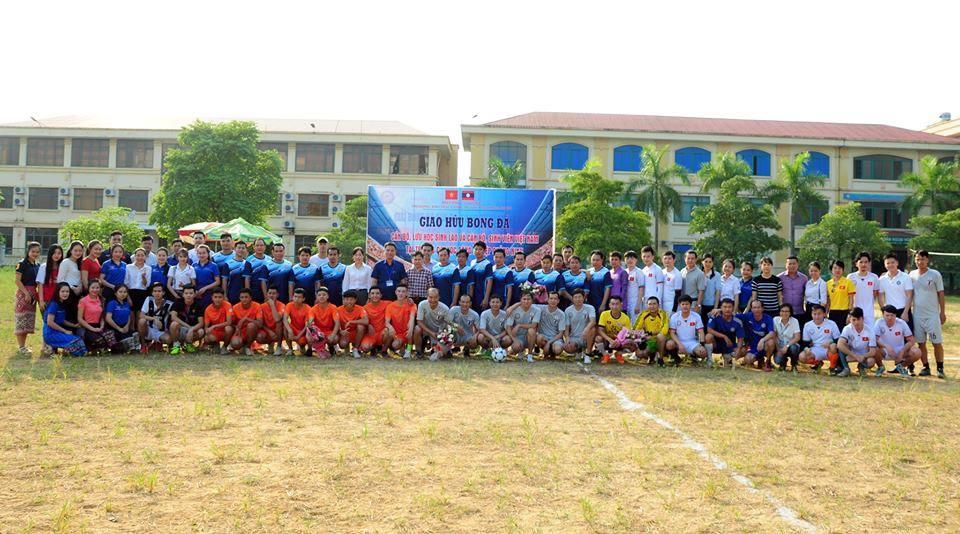 Giao lưu thể thao, ẩm thực giữa cán bộ, LHS Lào với cán bộ, sinh viên trường Đại học Công nghiệp Quảng Ninh