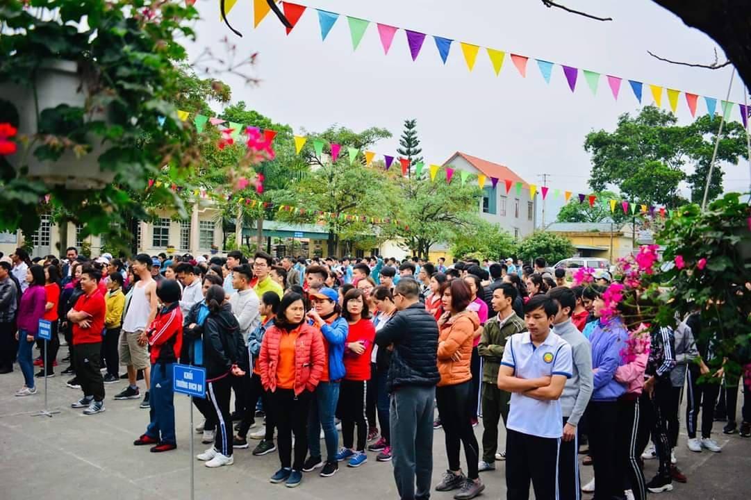 Trường ĐH Công nghiệp Quảng Ninh hưởng ứng Ngày chạy Olympic vì sức khỏe toàn dân năm 2019