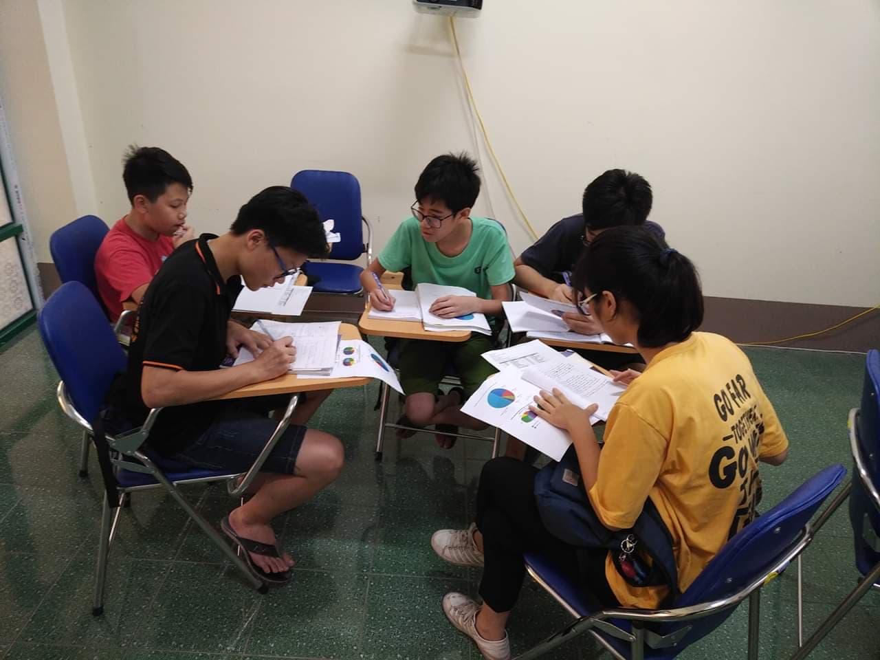 Trung tâm FLIC trường Đại học Công nghiệp Quảng Ninh tổ chức dạy tiếng Anh miễn phí cho thiếu nhi trong dịp hè