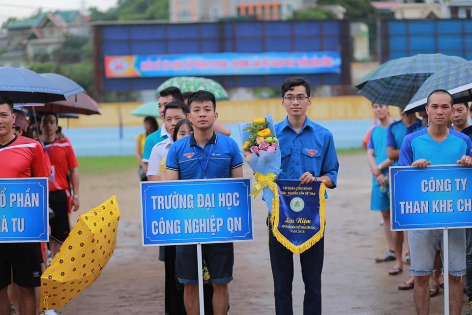 Đoàn trường Đại học Công nghiệp Quảng Ninh tham gia Hội thi các môn thể thao dân tộc năm 2018