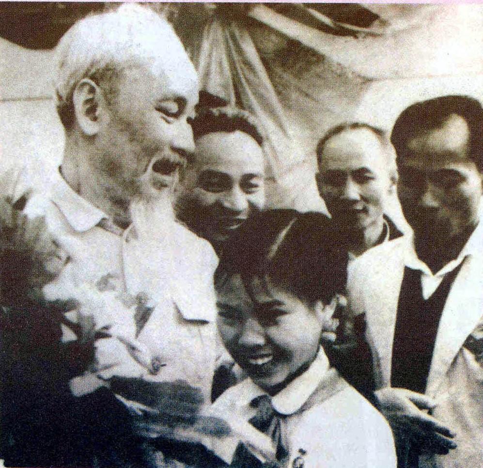 Đôi điều suy nghĩ về học tập cách nói, cách viết của Hồ Chí Minh