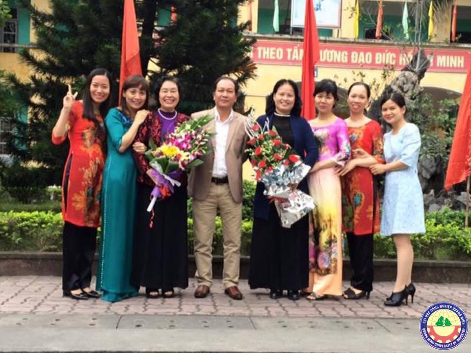 Khoa Khoa học Cơ bản - Trường ĐHCN Quảng Ninh tổ chức gặp mặt giao lưu cán bộ, giảng viên các thời kỳ nhân dịp đón nhận Bằng khen của Thủ tướng Chính phủ