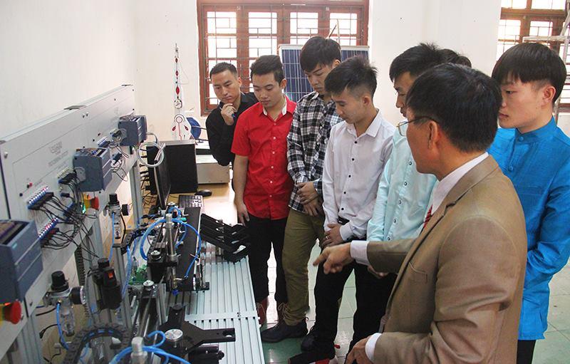 Trường ĐH Công nghiệp Quảng Ninh - mái nhà thứ 2 của những du học sinh Lào