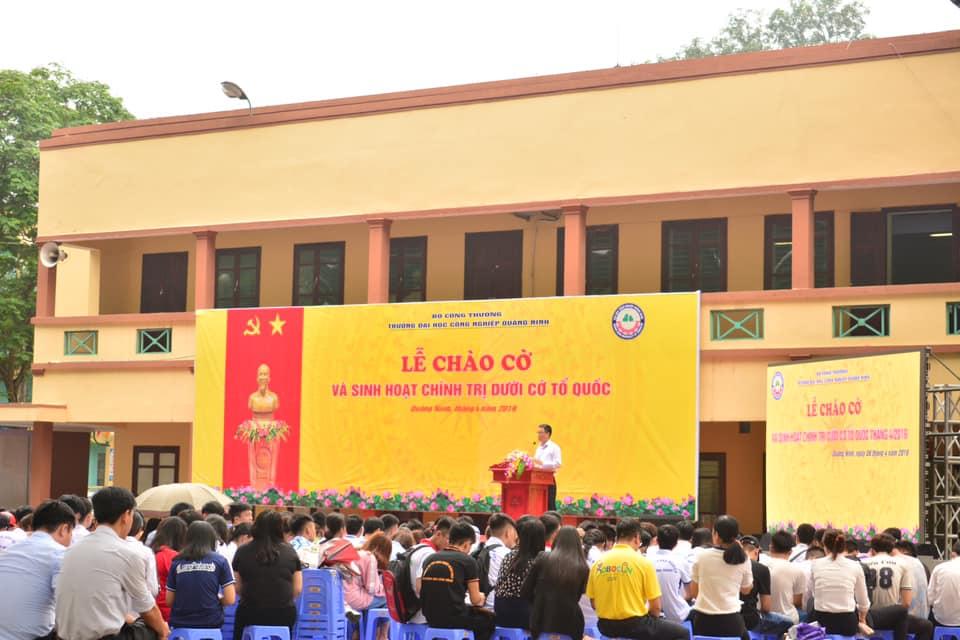 Trường ĐH Công nghiệp Quảng Ninh tổ chức lễ chào cờ  và sinh hoạt chính trị dưới cờ tổ quốc