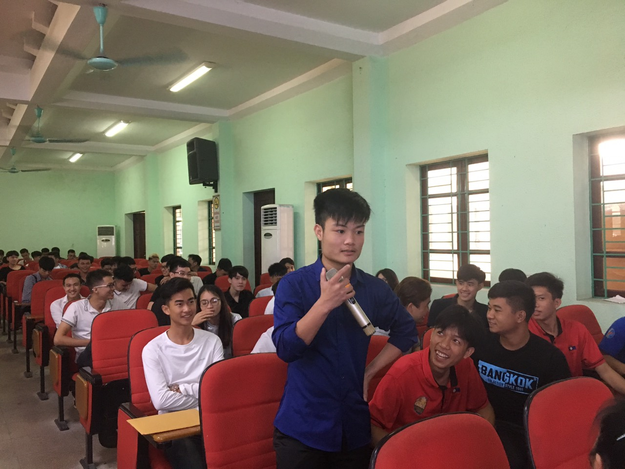 Tuần sinh hoạt công dân đầu khóa của các tân sinh viên K12