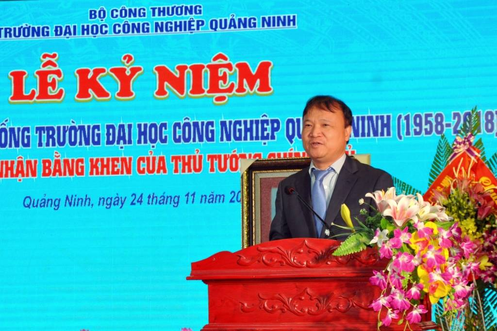 Mr.Do Thang Hai, Deputy Minister of Industry and Trade, spoke at the ceremony