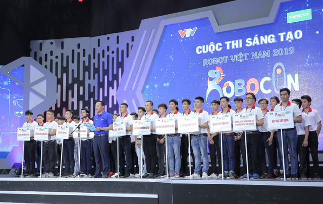 Mr. Do Quoc Khanh - Head of Organizing Committee of the Robocon Vietnam Qualifier 2019  in the North delivered the opening speech.